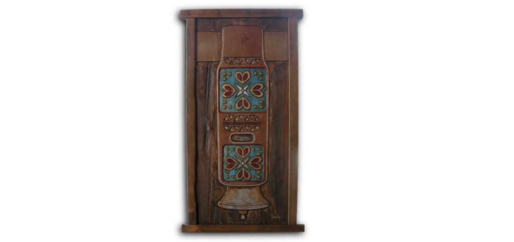 peinture d'une cloche avec motif traditionnel du Piémont