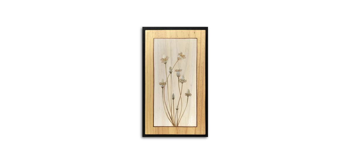 herbes sauvages peintes à l'or, plantain