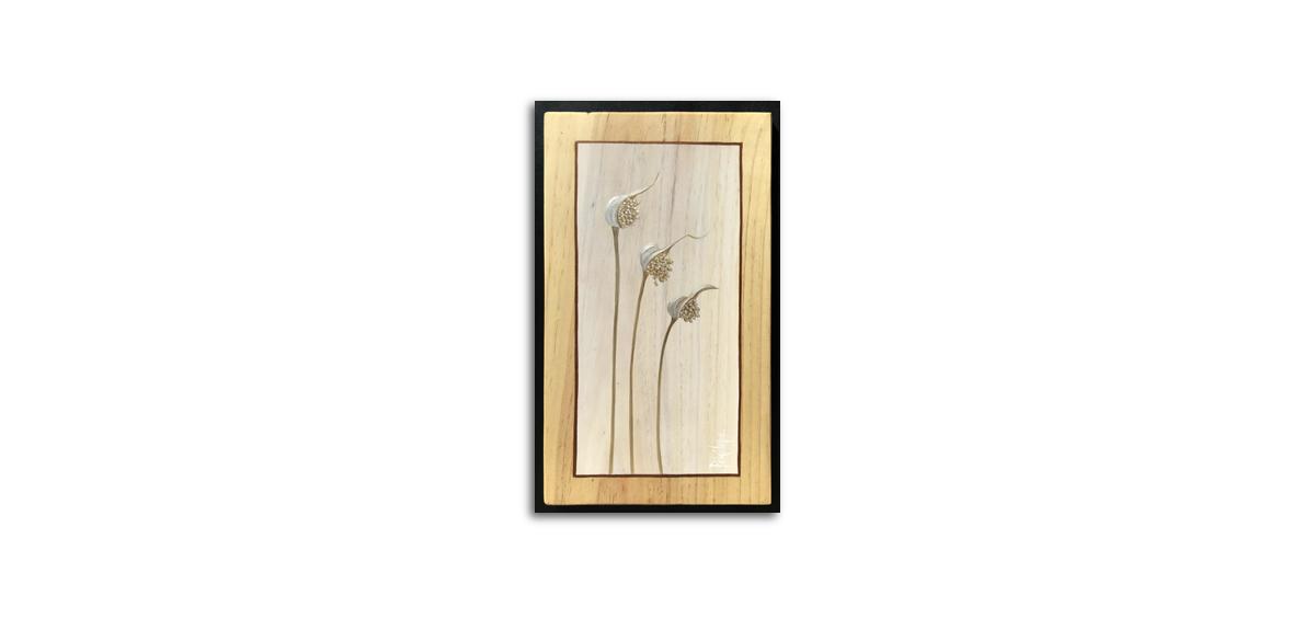 herbes sauvages peintes à l'or, fleur d'ail